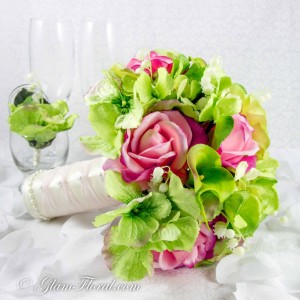 green_pink_bouquet__22043.1357802395.1280.1280